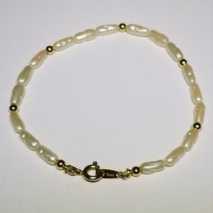 Trifari Gold and Pearl Bracelet 182